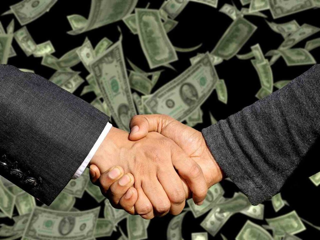jaki tlumacz zarabia najwiecej, zarobki tlumacza, wynagrodzenie tlumaczy